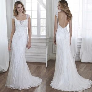 Maggie Sottero Sample Dress Size 12 NEW